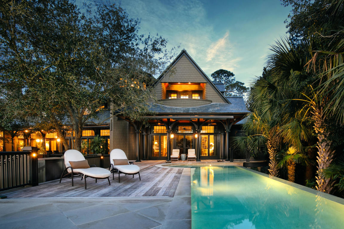 A luxurious pool at 7 Terrapin Island.